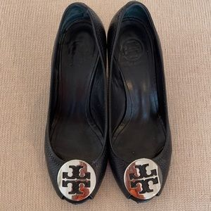 Tory Burch wedge shoes black Size 8